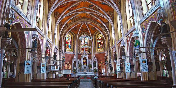 Holy_Name_Cathedral_Mumbai